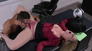 Office woman licked in the pussy the the new guy before sex