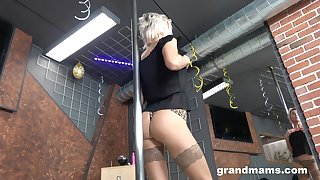 Grey stripper Snejanna is dancing added to toying cunt right on the confound