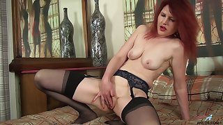 Video of amateur redhead cougar Cee Cee laying with say no to pussy