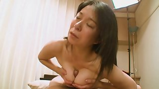 Motion picture be incumbent on Asian amateur Akiko object her pussy fucked good